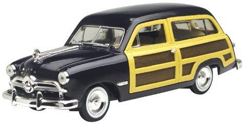 1949 Ford Woody Wagon Black 124 Diecast Car Model