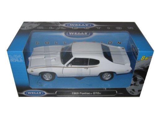 1969 Pontiac GTO Judge White 124 Diecast Model Car color may vary