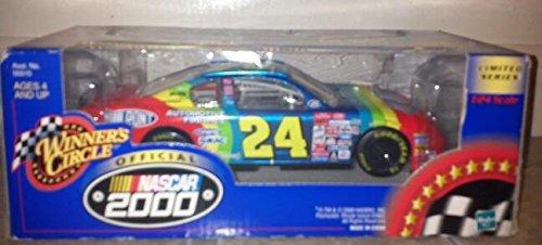 2000 Jeff Gordon NASCAR Winners Circle Dupont 124 Scale Car
