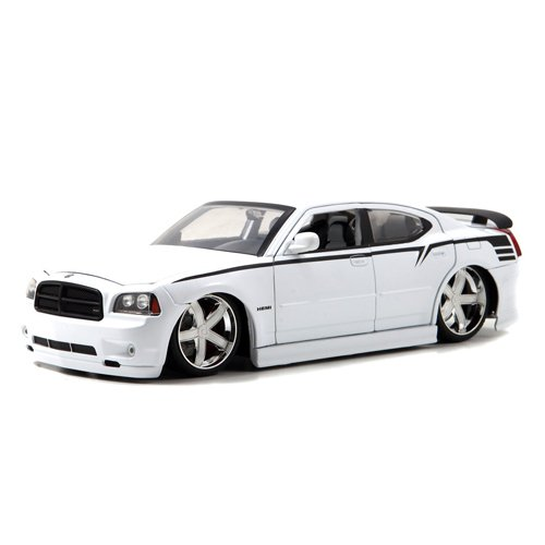 2006 Dodge Charger SRT8 Diecast Model Car 118 Scale White