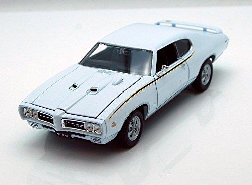 1969 Pontiac GTO White - Welly 22501 - 124 scale Diecast Model Toy Car