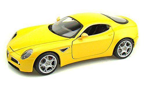 Alfa Romeo 8C Competizione Yellow - Bburago 11021 -118 scale diecast model toy car