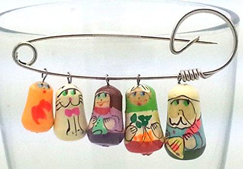 Matryoshka RUSSIAN hand painted Brooch Family nesting dolls pin