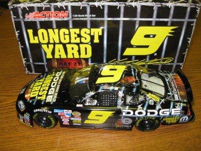 Kasey Kahne 2005 Dodge Dealers The Longest Yard 124 Action Diecast Car