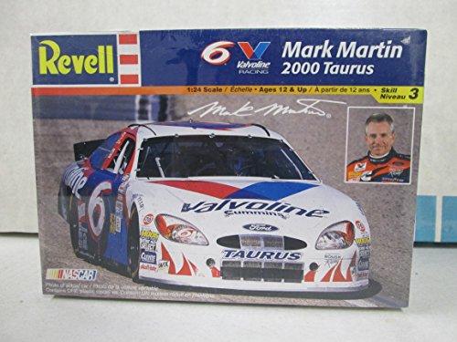 Revell Mark Martin 2000 Taurus 124 Model Kit