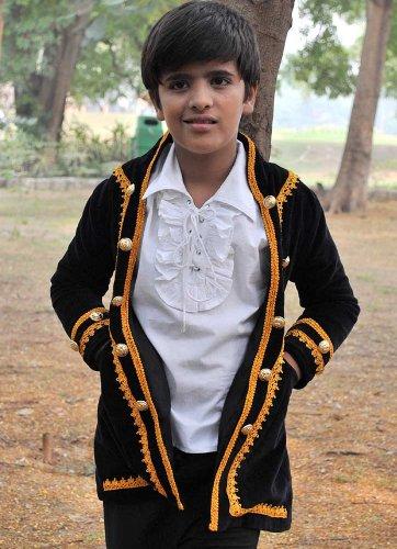 Kids Pirate Costume Coat Medium 6-8 yrs